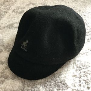 Black wool Kangol newsboy / pauper cap